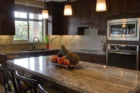 How to Select the Best Granite Countertop Colors for Your Kitchen