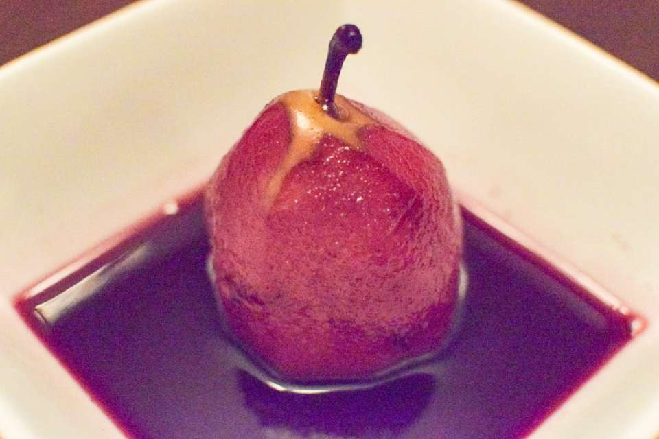 poached pear in red wine sauce