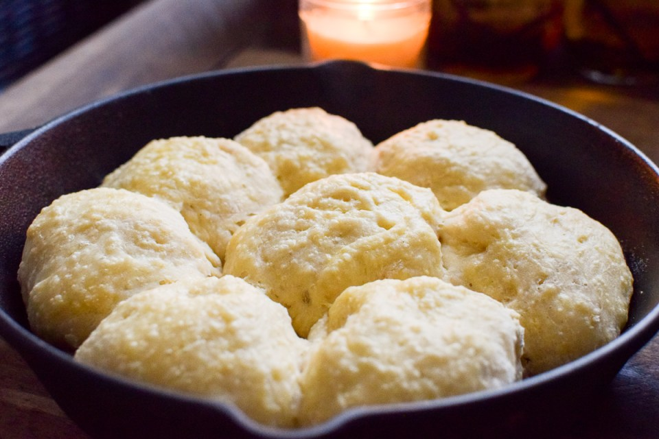 easy sourdough dinner rolls in a cast iron skillet