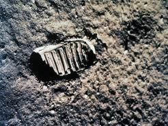 Moon Footprint 529