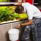 水槽の水換えの方法と理想的な頻度