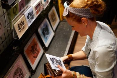 Gracie Klutz scoping out new designs. Photo courtesy of: Gracie Klutz.