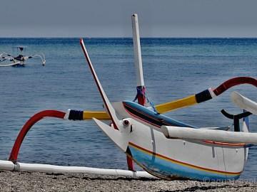 Jukung tradiční loď místních rybářů na Bali