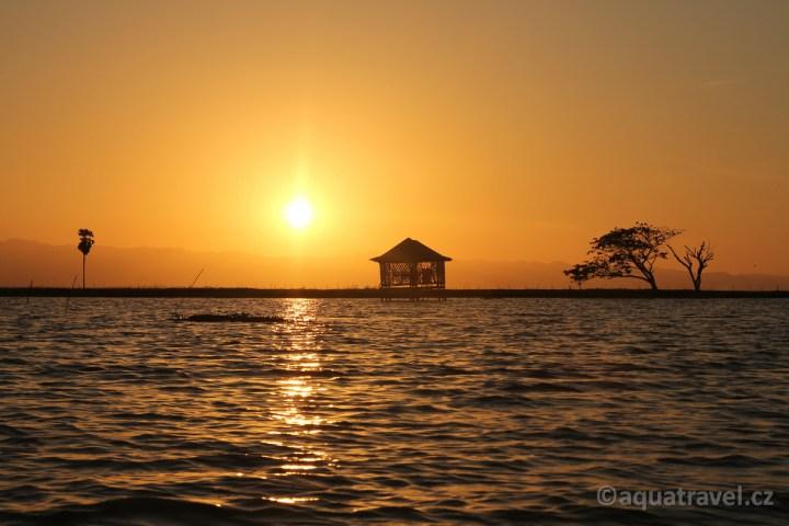 Jezero Tempe - západ slunce