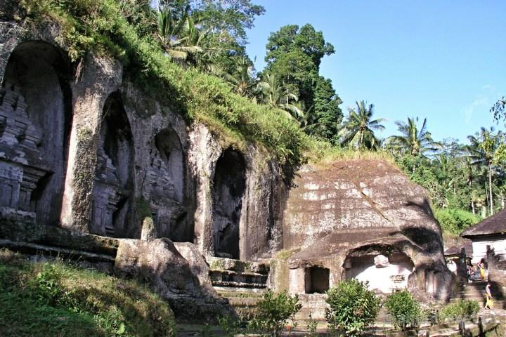 Gunung Kawi hrobky královen z 11. století Ubud dovolená Bali