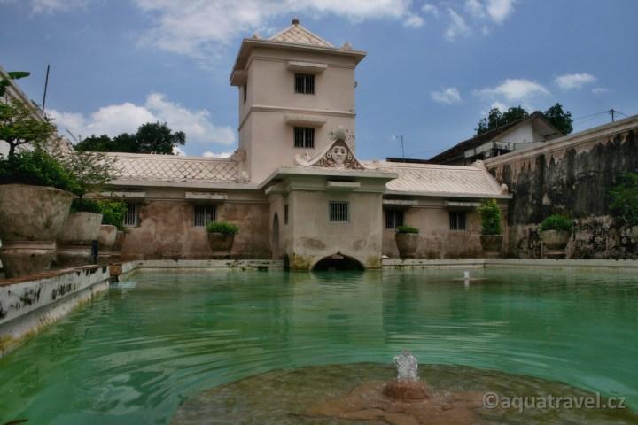 Taman Sari - lázně sultána v Jogyakartě na Jávě