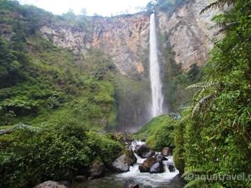 Vodopád Sipisi-piso nejvyšší v Indonésii