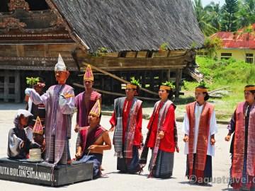 Tanec bataků na Samosiru