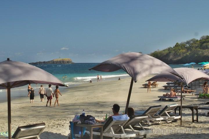 Bílá pláž u Amlapury