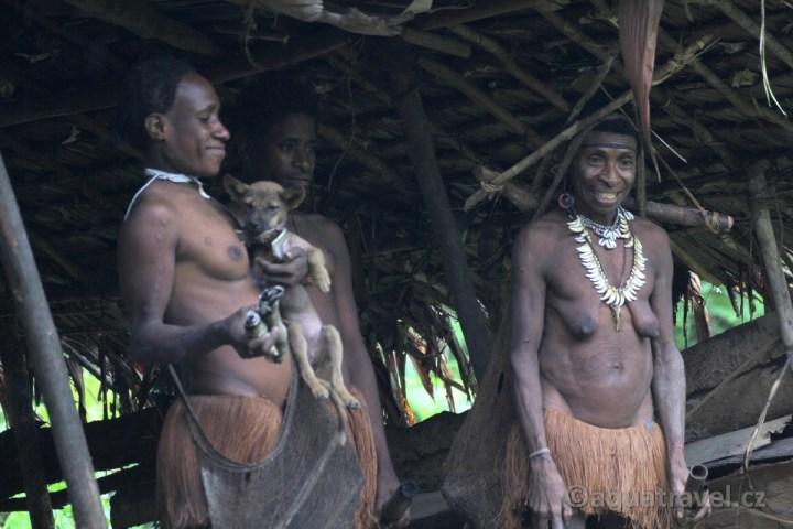 Ženy kmene Korowai
