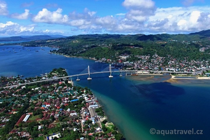 Ambon most přes záliv
