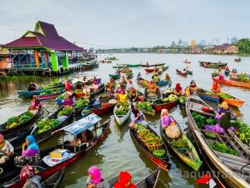 Plovoucí trh v Lok Baintan