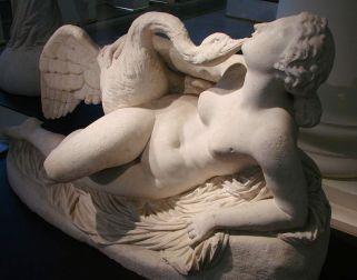 Leda 1864_por_Auguste_Cl_singer_Mus_e_Picardie_Beaux_arts_