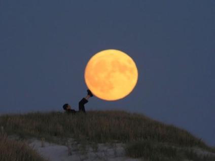 Jugando con la Luna Groupes Joëlle Adam