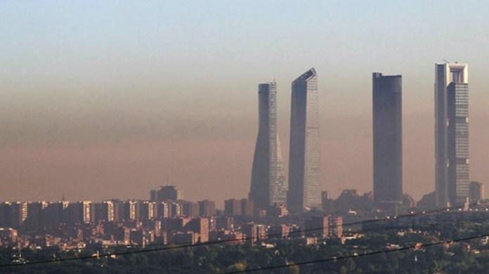 Contaminación en Madrid torres Chamartín