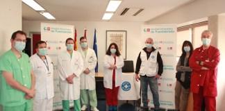 Equipos de profesionales del Hospital Clínico de Fuenlabrada y de Médicos del Mundo en el plan de reactivación asistencial