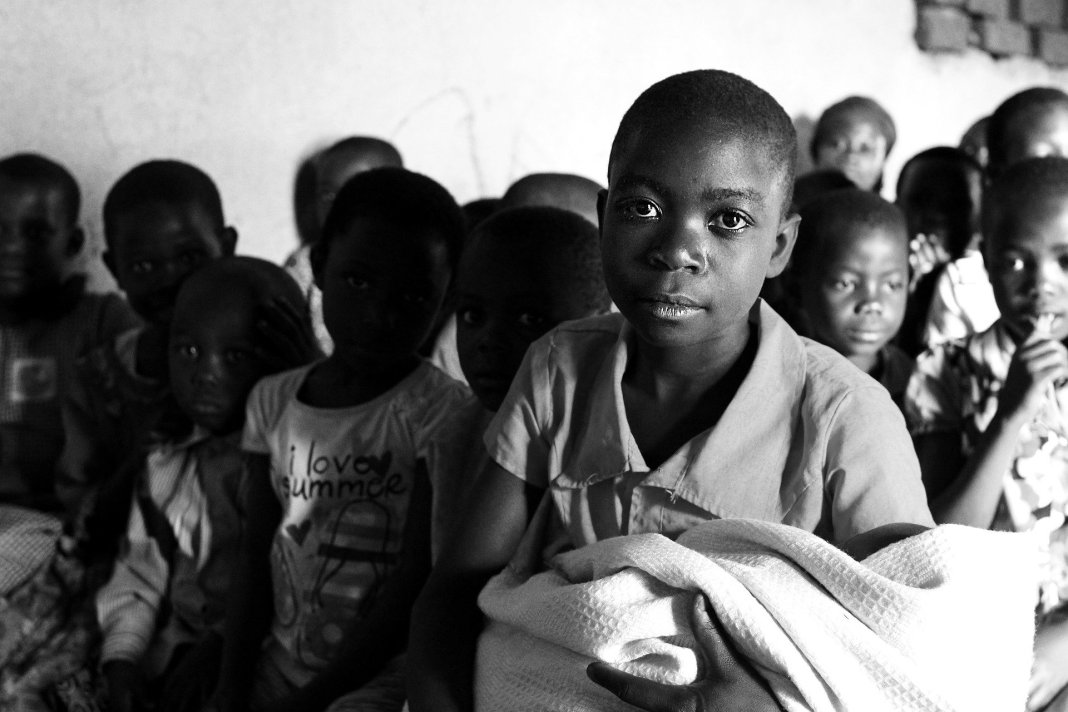 Niños Uganda África