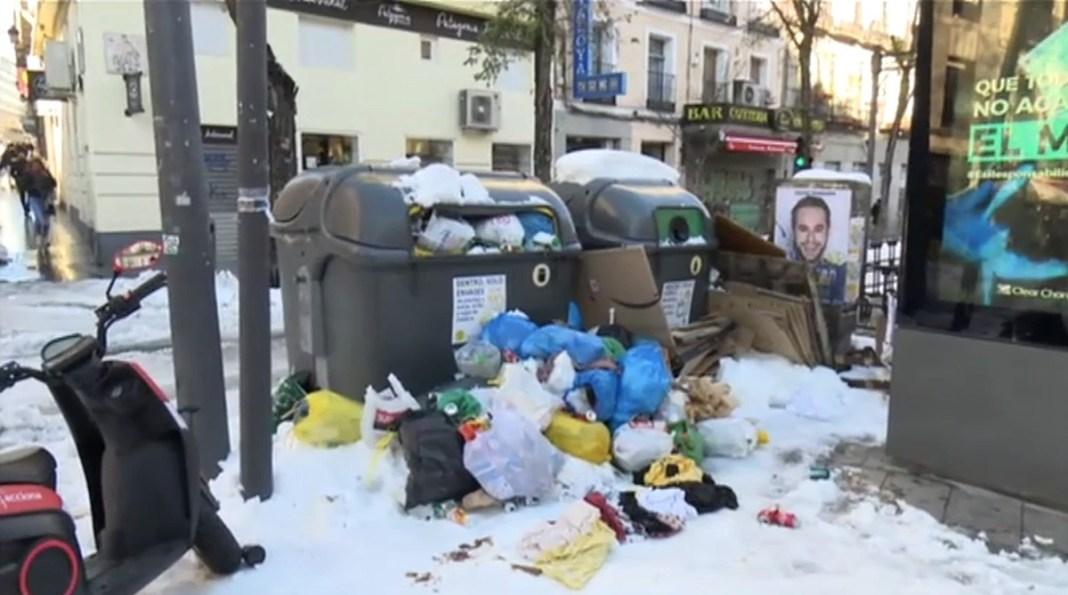 Madrid: nieve y basuras acumuladas