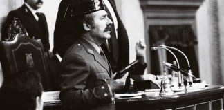 El teniente coronel Tejero en el asalto alCongreso de los Diputados el 23FEB1981 © Manuel López