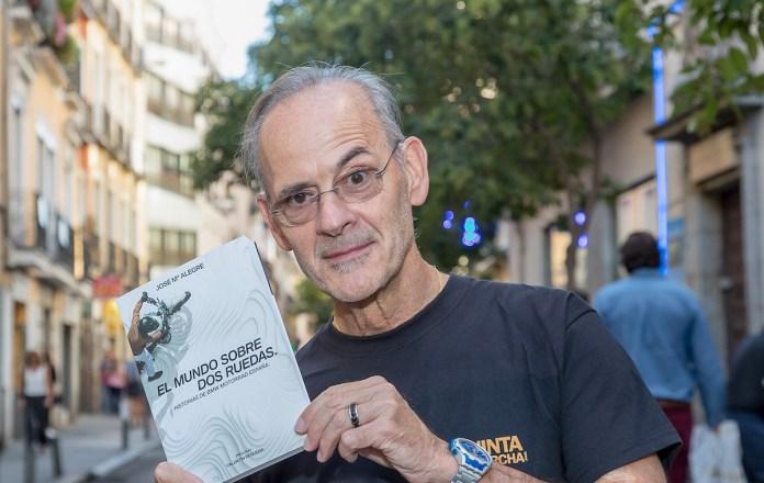 Nacido en Huesca, de padres catalanes, José Mª Alegre pasó su infancia en Barcelona, creciendo en tan bella ciudad hasta que, en plena juventud, se trasladó a Madrid, capital que ama por su cielo, talante abierto y hospitalario ¡y por las cañas!