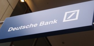 Merkel no reacciona al desplome del Deutsche Bank