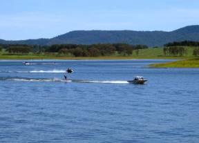 LAKE TINAROO, Cairns, QLD