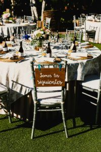cartel madera somos los siguientes boda