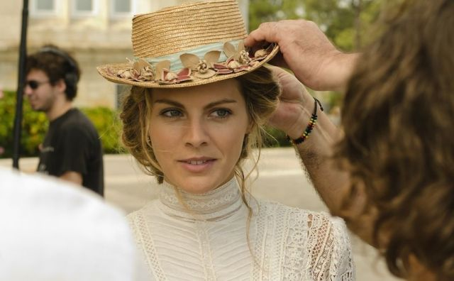 novia con sombrero
