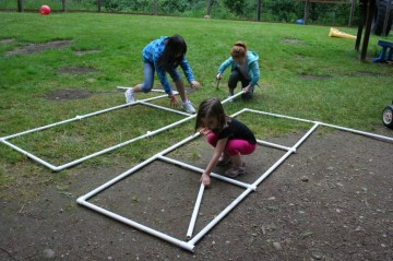 Children building at A Quiet Forest Daycare and preschool.