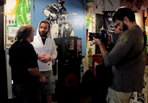Perguntando tudo sobre graffiti para Pablo,dono do Post