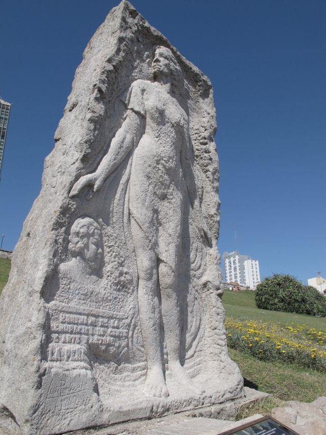 mar del plata estatua alfonsina storni gisele teixeira
