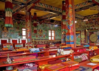 templo budista por dentro