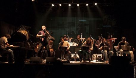 Medium_tango_ORQUESTRA LA VIDU RED