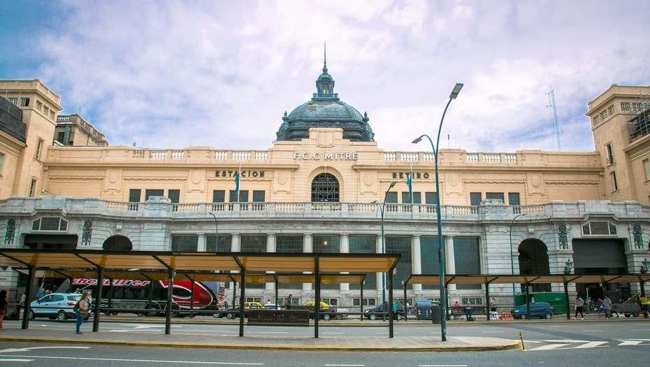 Estação Retiro fachada Clarin