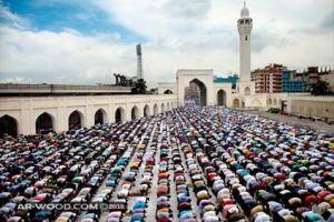 حكم من افطر في رمضان بدون عذر