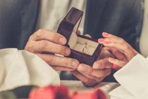 تفسير حلم الخطوبة للمتزوجة الحامل لابن سيرين