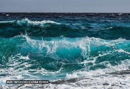 السباحة في البحر في المنام للعزباء