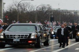 اعتقال سائق في الموكب الرئاسي الأمريكي بعد العثور على مسدس في حقيبته