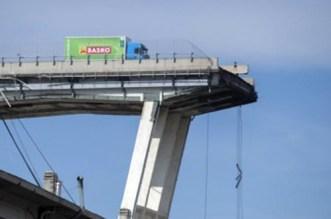 انهيار جسر بإيطاليا.. مغربي ينجو من الموت المحقق وهذا ما قاله