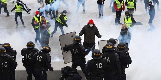 أعمال عنف ترافق احتجاجات السترات الصفراء بباريس