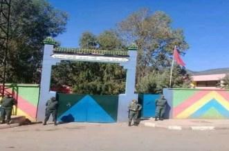 عناصر من القوات العمومية أمام أبواب ثانوية ببني ملال
