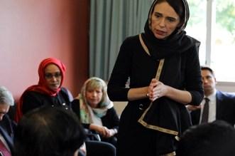 بالفيديو.. رئيسة وزراء نيوزيلاندا ترتدي الحجاب وتستشهد بحديث للرسول