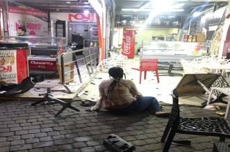 سائق مخمور يقتحم محلا لبيع المأكولات بمراكش ويصيب زبونين -صور