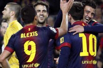 نجم برشلونة يعلن اعتزاله كرة القدم