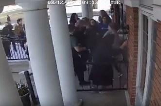 """بالفيديو.. """"موقف بطولي"""" لطالبة مسلمة ينقذ حياة نحو 100 من زملائها بأمريكا"""