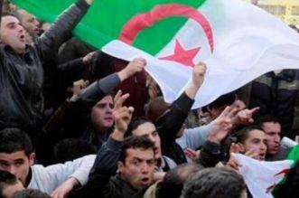 مئات الطلبة يخرجون للإحتجاج بشوارع العاصمة الجزائرية