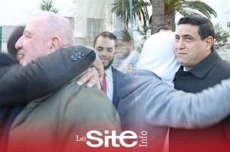 """دموع وفرح بعد قرار المحكمة تمتيع """"ليلى"""" المتهمة بابتزاز محامي بالسراح المؤقت- فيديو"""