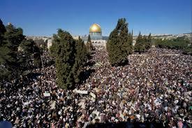 40 ألف فلسطيني يؤدون صلاة الجمعة في الأقصى
