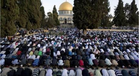 فلسطين :40 ألف مصلٍّ يؤدون الجمعة في الأقصى