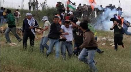 الاحتلال الاسرائيلي يقمع مسيرة نعلين الأسبوعية ويصيب عشرات الفلسطينيين بالاختناق